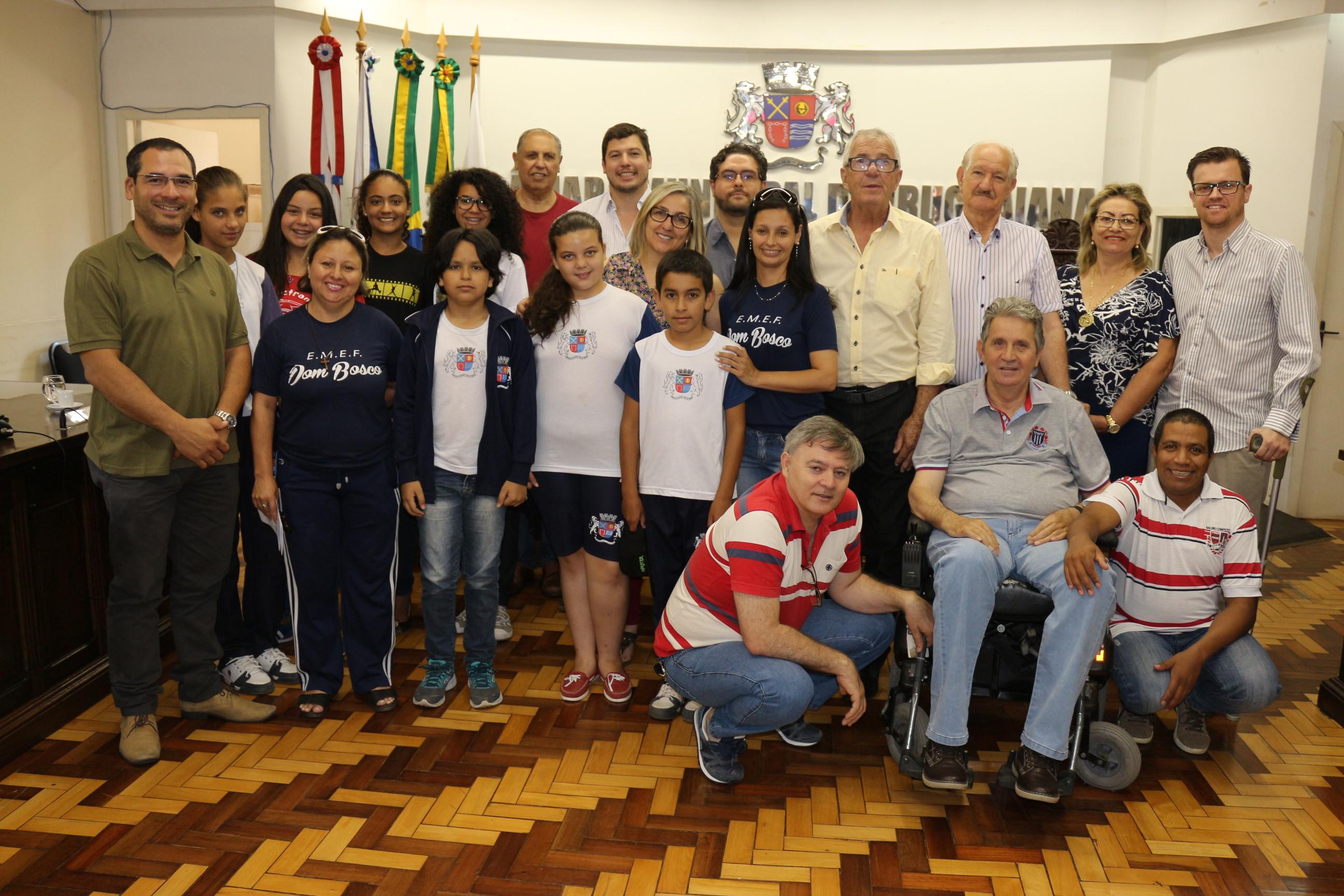 Atividades da Escola Dom Bosco foram relatadas na tribuna