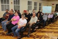 Audiência pública sobre serviços de água e esgoto lota plenário