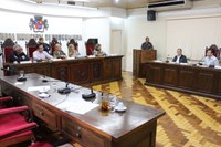 Camelôs solicitam apoio da Câmara sobre restrição de comércio na aduana