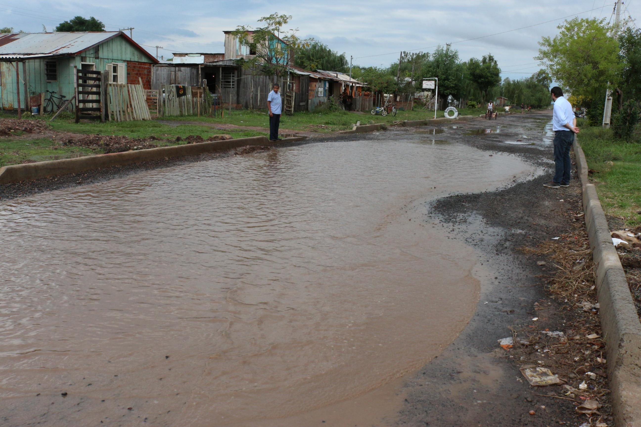 Comissão confere intrafegabilidade nos bairros em dias de chuva