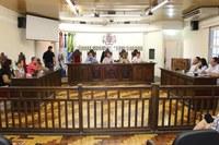 Comissão debate dificuldade de alunos de instituição de ensino superior encerrada