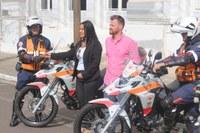 Legislativo acompanha entrega de motolâncias