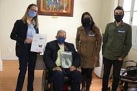 Legislativo recebe protetores faciais