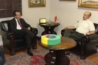 Novo presidente faz visita protocolar ao Poder Executivo